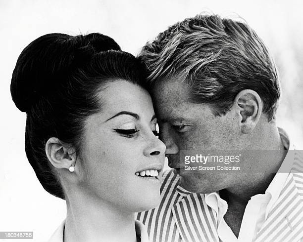 American actors Troy Donahue as Jim Munroe and Stefanie Powers as Bunny Dixon in a promotional portrait for 'Palm Springs Weekend' directed by Norman...