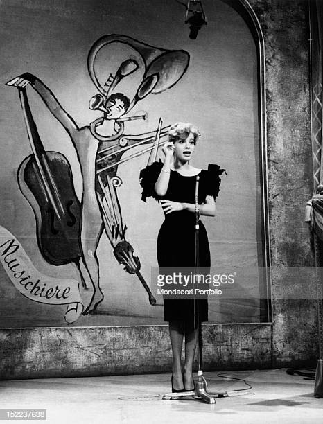 American actress and singer Abbe Lane performing in the TV show 'Il Musichiere' Italy 1950s