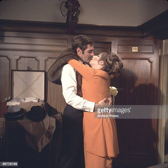American actress and singer Barbra Streisand films a scene of 'Funny Girl' with her costar Omar Sharif 1968