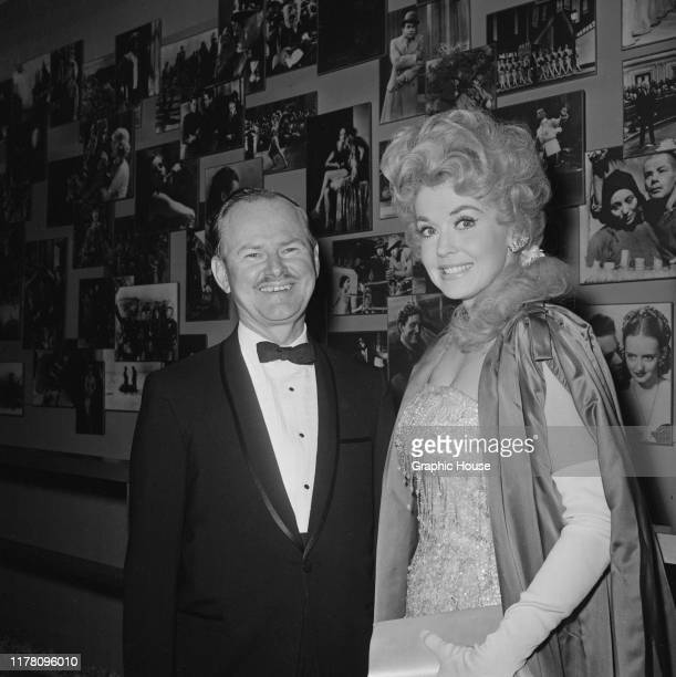 American actress and singer Donna Douglas at the premiere of the film 'The Americanization of Emily' USA 1964