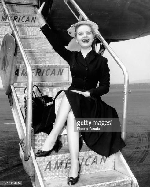 American actress and singer Florence Henderson arrives at La Guardia Airport in New York City on an American Airlines flagship from Boston 24th April...