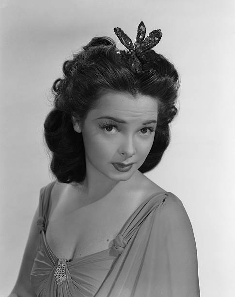 american-actress-and-singer-kathryn-gray