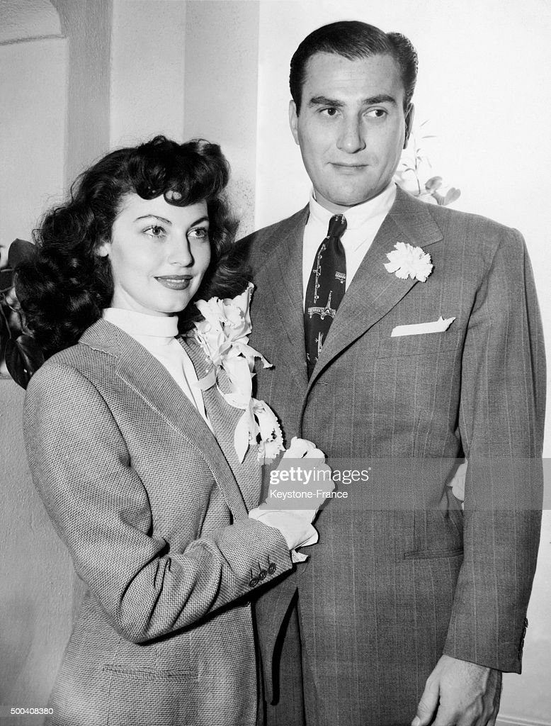 American actress Ava Gardner and clarinetist Artie Shaw just after their wedding on October 18, 1945 in Beverly Hills, United States.
