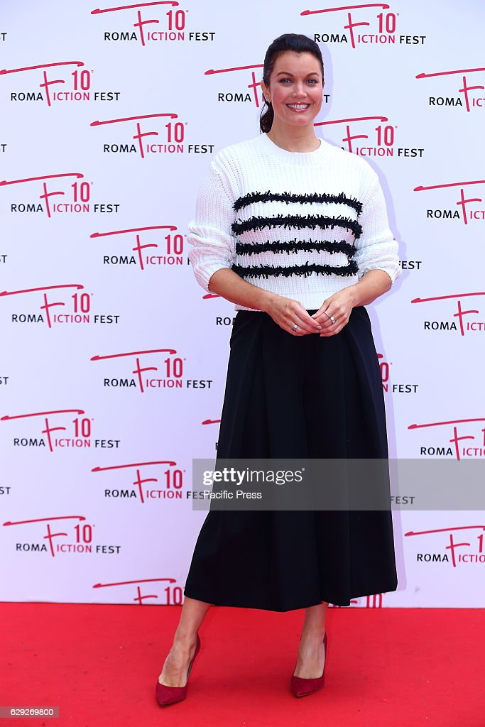 American actress Bellamy Young during the red carpet of... : Nachrichtenfoto