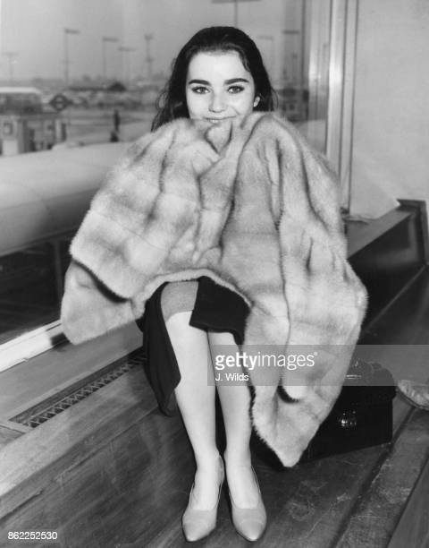 American actress Brigid Bazlen arrives at London Airport to attend the London premiere of the film 'King of Kings' 6th November 1961 She plays the...
