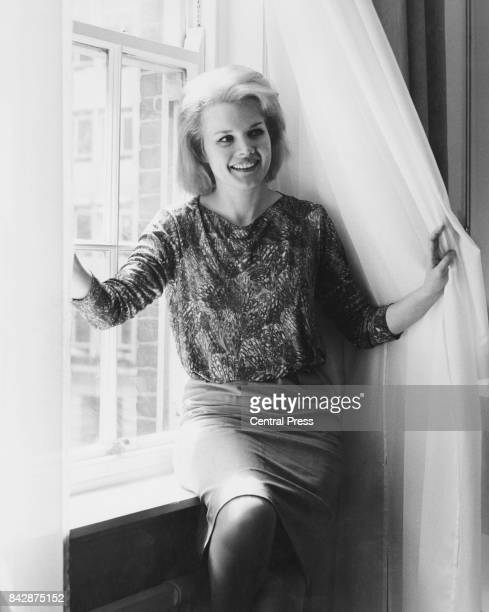American actress Carroll Baker arrives in London from America to work on the film 'Station Six Sahara' 8th May 1962