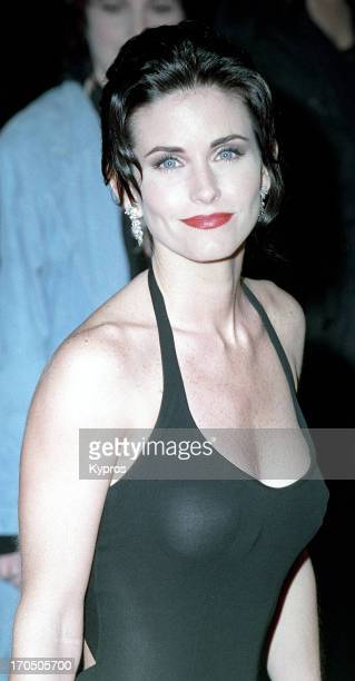 American actress Courteney Cox circa 1995