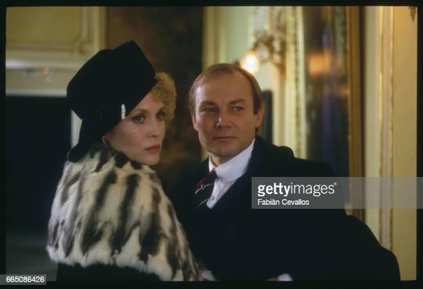 American actress Faye Dunaway and Austrian actor Klaus Maria Brandauer perform on the set of the 1988 movie Burning Secret or Brennendes Geheimnis in...