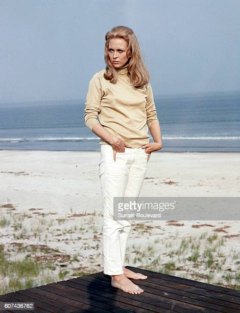 American actress Faye Dunaway on the set of The Thomas Crown Affair directed by Norman Jewison