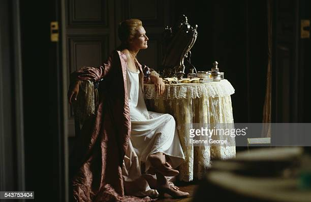 American actress Glenn Close on the set of the film 'Dangerous Liaisons' directed by English director Stephen Frears and based on the Choderlos de...