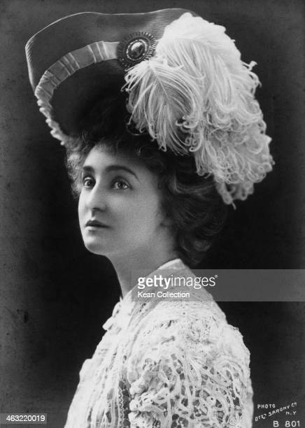 American actress Grace George circa 1900 Photo by Sarony Co of New York from the 'Rotograph' series