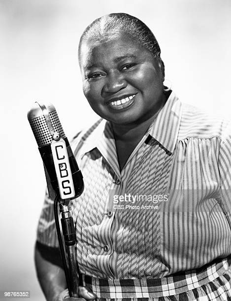 American actress Hattie McDaniel at a CBS microphone circa 1945 McDaniel won an Oscar for Best Supporting Actress for her role of Mammy in 'Gone With...