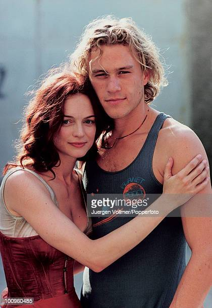 American actress Heather Graham on the set of the film 'From Hell' in Prague, with her boyfriend, Australian actor Heath Ledger , 2000.