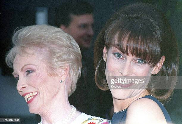 American actress Jamie Lee Curtis with her mother, actress Janet Leigh , circa 1995.