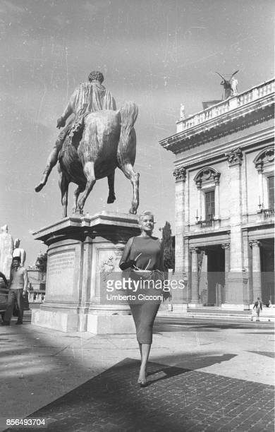 American actress Jayne Mansfield at the 'Campidoglio' in Rome in 1957