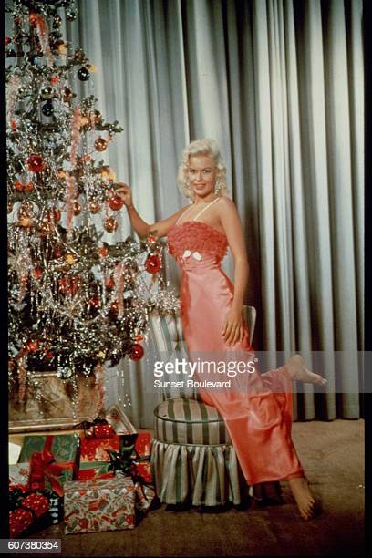 American actress Jayne Mansfield