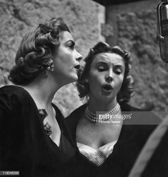 American actress Jayne Meadows and her sister Audrey Meadows recording circa 1955