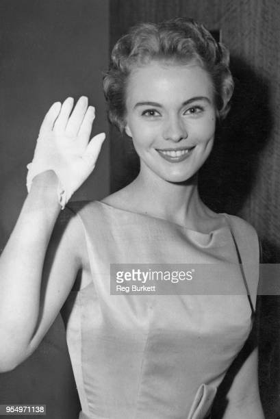 American actress Jean Seberg at the premiere of the film adaptation of George Bernard Shaw's play 'Saint Joan', at the Leicester Square Theatre in...