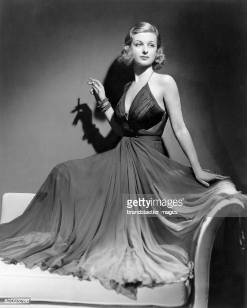 American actress Joan Bennett Photograph Around 1930 [Die USamerikanische Schauspielerin Joan Bennett Photographie Um 1930]