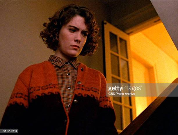 American actress Lara Flynn Boyle stars as Donna Hayward in the pilot episode of the David Lynch created television series 'Twin Peaks'