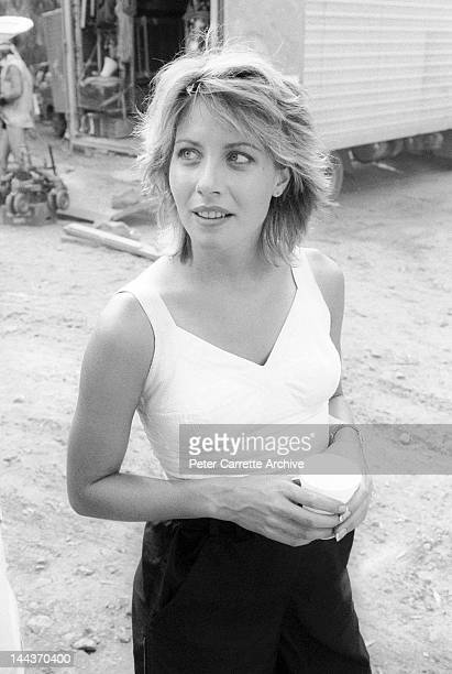 American actress Linda Kozlowski on the set of her new film 'Crocodile Dundee' in 1986 on location in the Northern Territory Australia