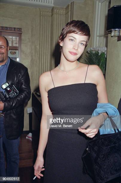 American actress Liv Tyler attends a party organised by Sam McKnight at Claridge's on September 28, 1998 in London, England.