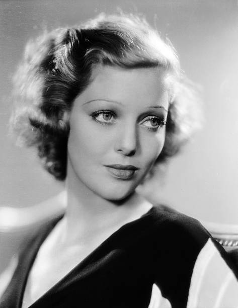 american-actress-loretta-young-in-costum