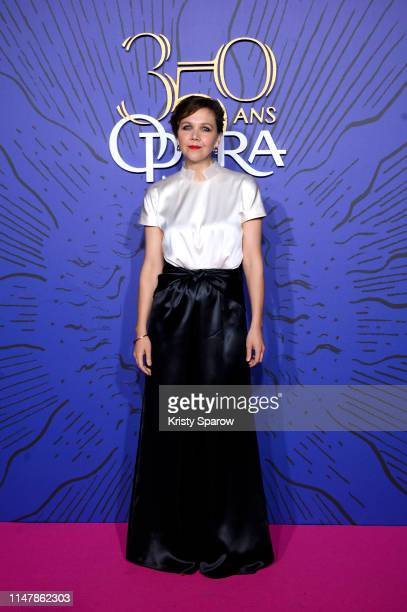 American Actress Maggie Gyllenhaal attends the 350th Anniversary Gala photocall at Opera Garnier on May 08, 2019 in Paris, France.