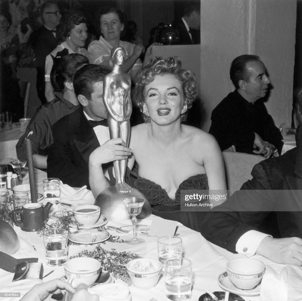 Monroe With Henrietta : News Photo