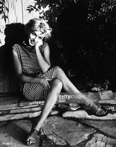 Marilyn monroe stock photos and pictures getty images for Marilyn monroe palm springs home