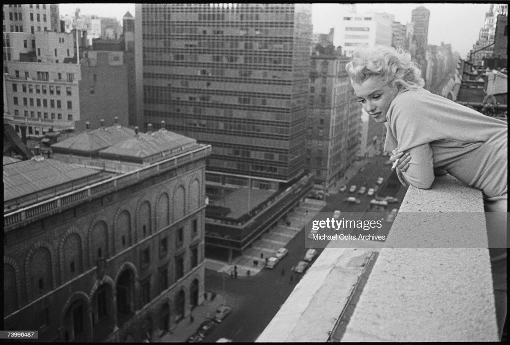 Marilyn On The Roof : News Photo