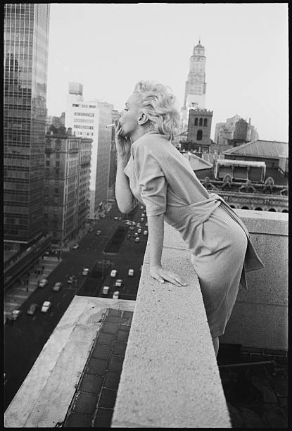 Marilyn On The Roof Wall Art