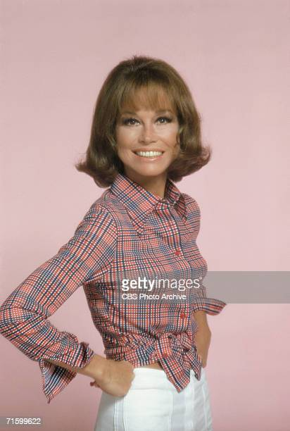 American actress Mary Tyler Moore, as Mary Richards, poses for a publicity portrait for the CBS situation comedy 'Mary Tyler Moore,' Studio City, Los...