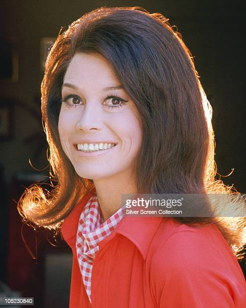 American actress Mary Tyler Moore, circa 1970.