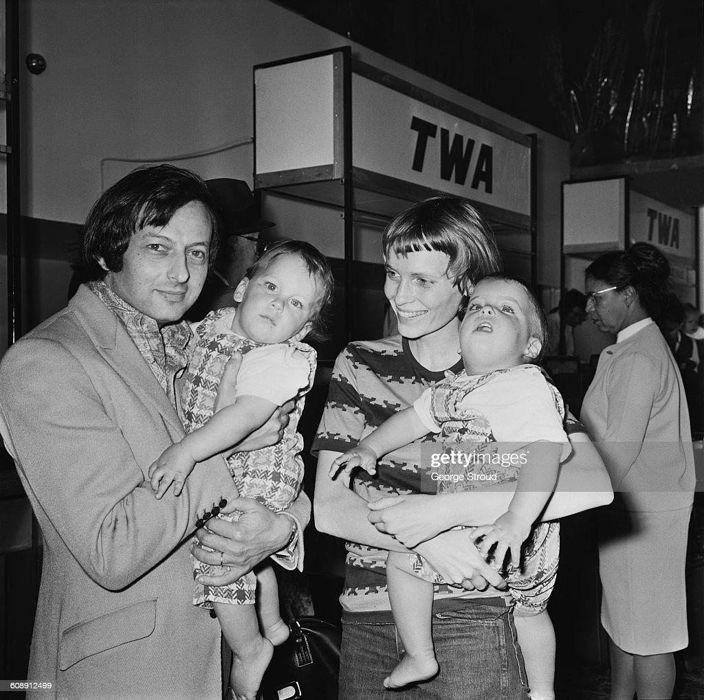 Farrow And Family : News Photo
