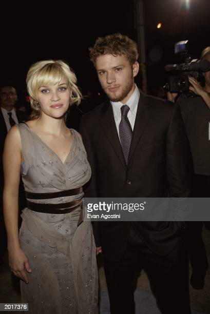 American actress Reese Witherspoon and husband American actor Ryan Phillippe at the world premiere of the film 'Sweet Home Alabama' at the Chelsea...