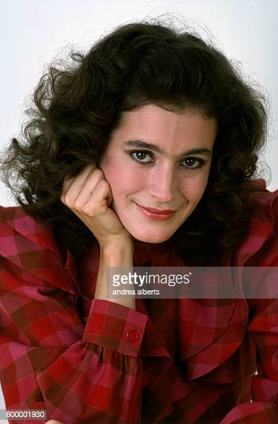 Sean Young - High quality image size 470x680 of Sean Young