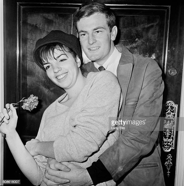 American actress, singer and dancer, Liza Minnelli, and her fiancé, Australian songwriter and entertainer, Peter Allen , 26th November 1964.