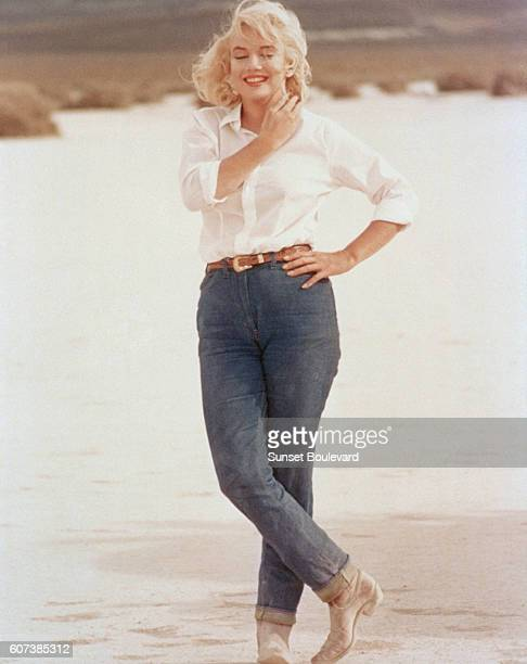 American actress, singer, model and sex symbol Marilyn Monroe on the set of The Misfits, directed by John Huston.