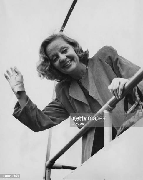 American actress Tallulah Bankhead arrives at London Airport for a UK broadcast of her radio programme 'The Big Show' UK 6th September 1951
