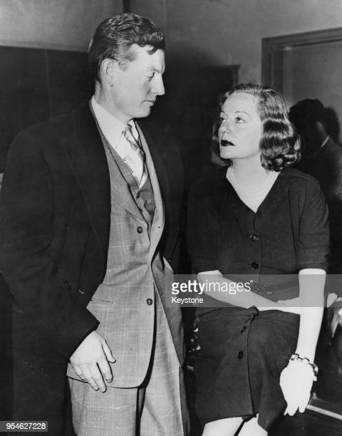 American actress Tallulah Bankhead with her attorney Donald Seawell in court in New York 14th December 1951 Bankhead has accused her former maid...