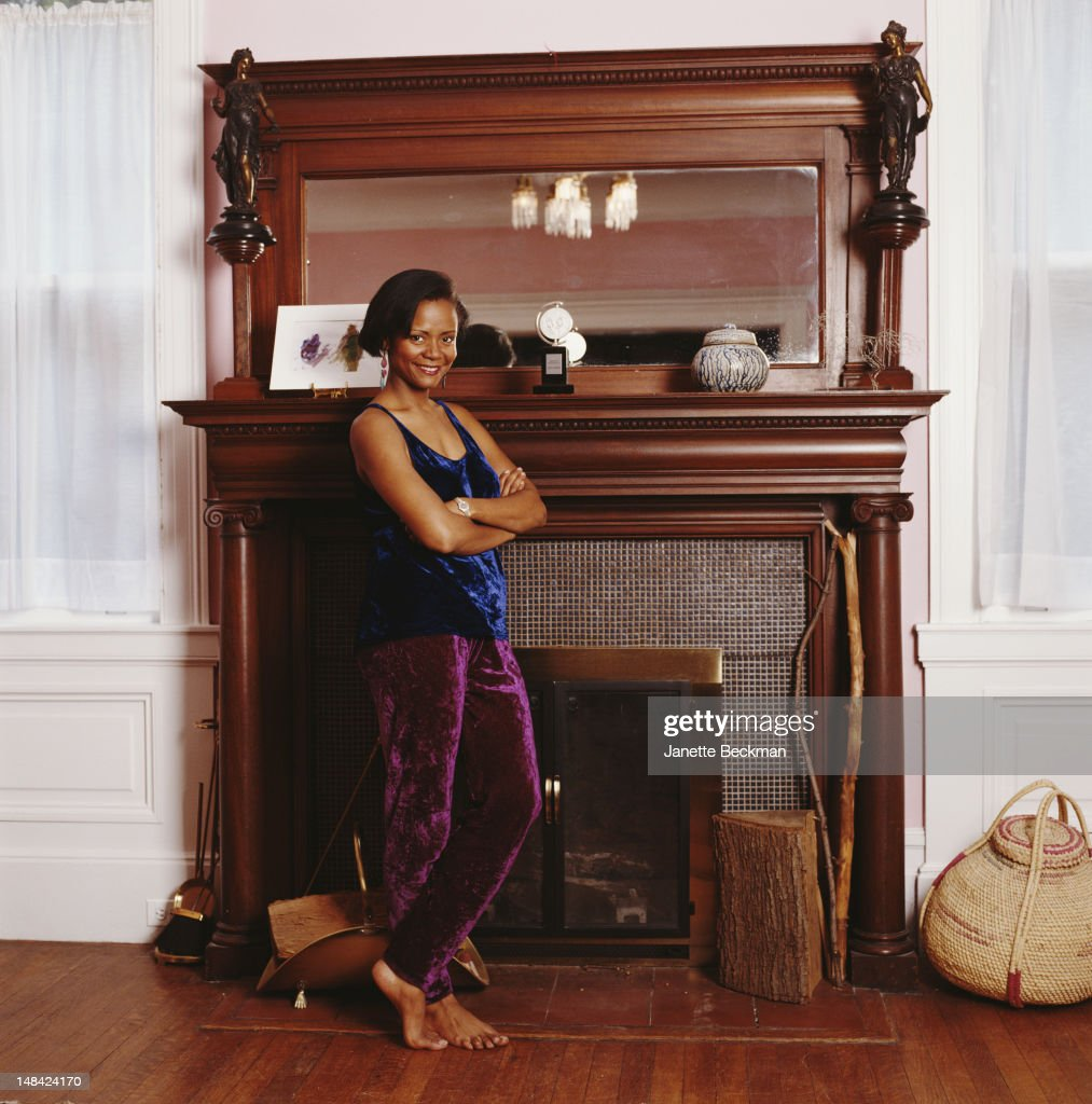 American actress Tonya Pinkins at home, New Jersey, 2002.