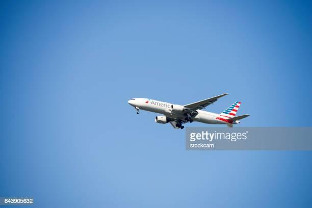american airlines avião - american airlines imagens e fotografias de stock