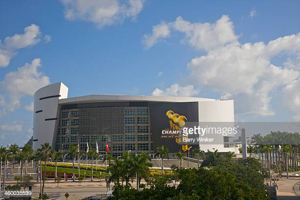 american airlines arena in downtown miami - american airlines stock pictures, royalty-free photos & images
