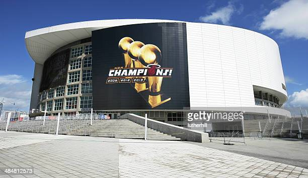 american airlines arena miami heat - miami heat basketball team stock pictures, royalty-free photos & images
