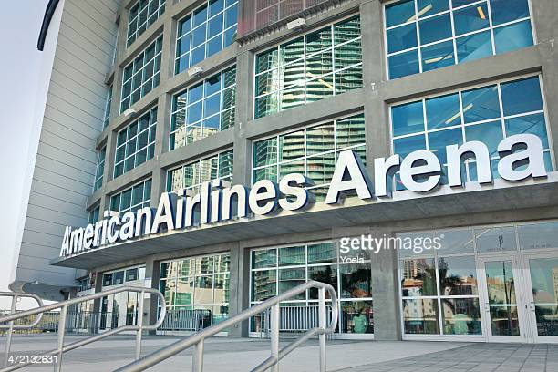 american airlines arena, miami - miami heat basketball team stock pictures, royalty-free photos & images