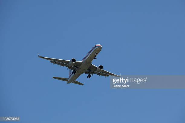 american airlines boeing 757 - american airlines stock pictures, royalty-free photos & images