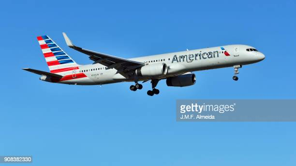 n939uw american airlines boeing 757-200 - boeing 757 200 stock pictures, royalty-free photos & images