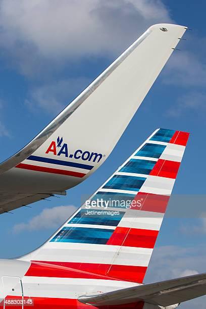 american airlines boeing 767-tail und winglet - flugzeugheck stock-fotos und bilder