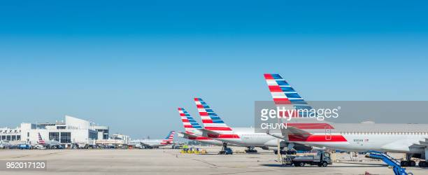 american airlines fleet - american airlines stock pictures, royalty-free photos & images